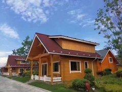 <b>木制别墅的房顶为什么不漏雨?</b>